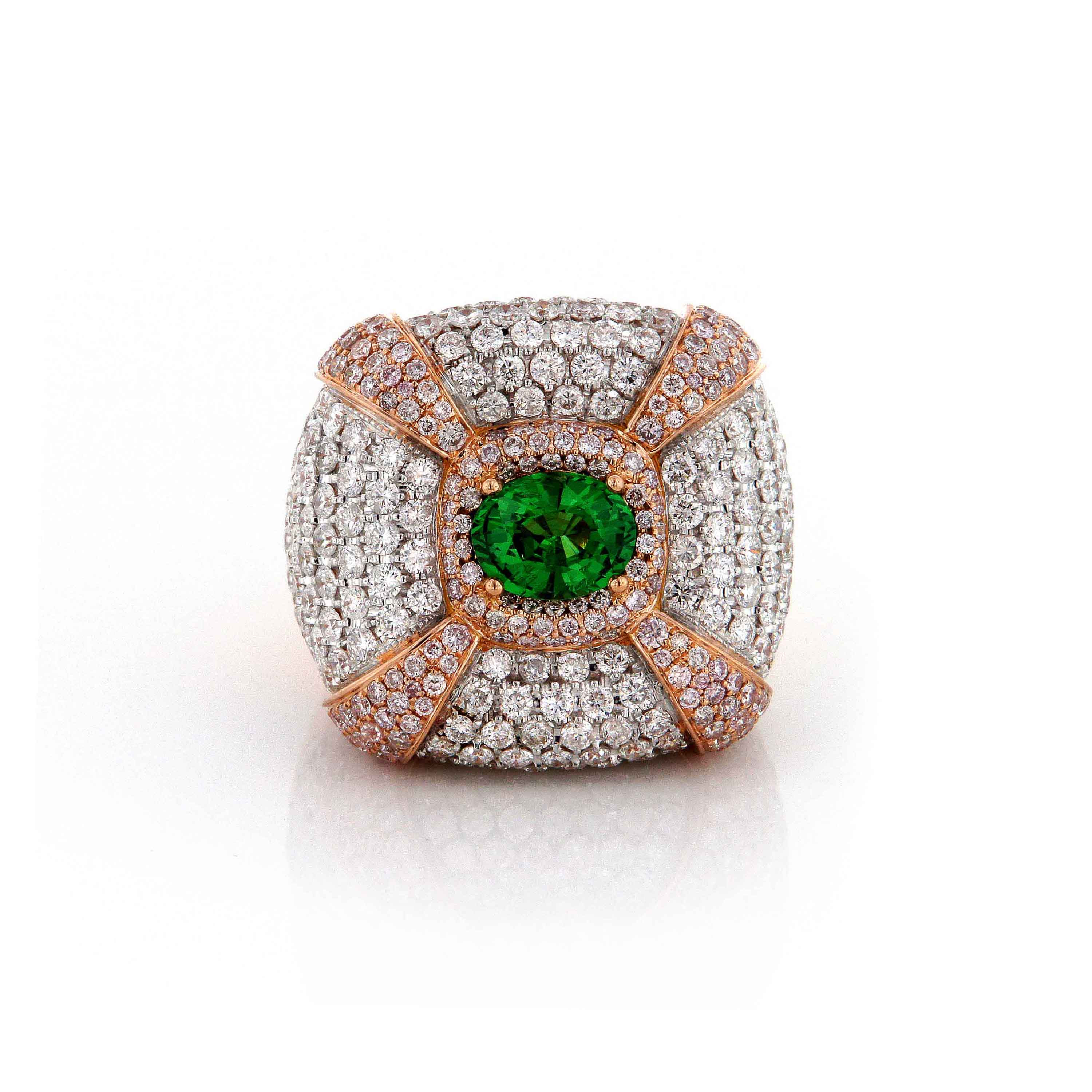 Round Diamonds with Emerald Center Ring
